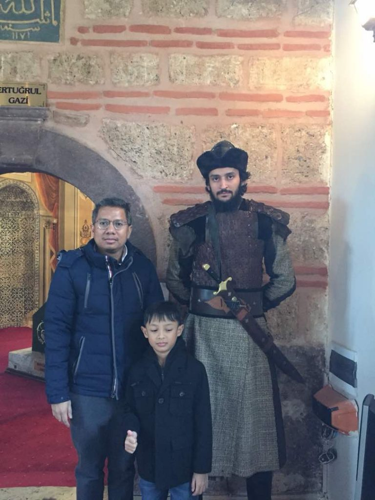Vice President's visit to the tomb of Turkey's warrior Entrugrul in Bursa.